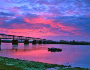 Le pont de Mauves-sur-Loire au petit matin