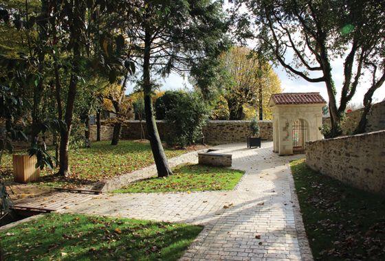 Inauguration du jardin de la fontaine saint denis urbanisme - Petit outillage de jardin saint denis ...